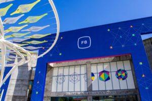 Итоги первого дня конференции Facebook F8: Oculus Go, обновления Facebook, Instagram и WhatsApp