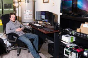 Хакер GeoHot выложил в свободный доступ код универсального автопилота
